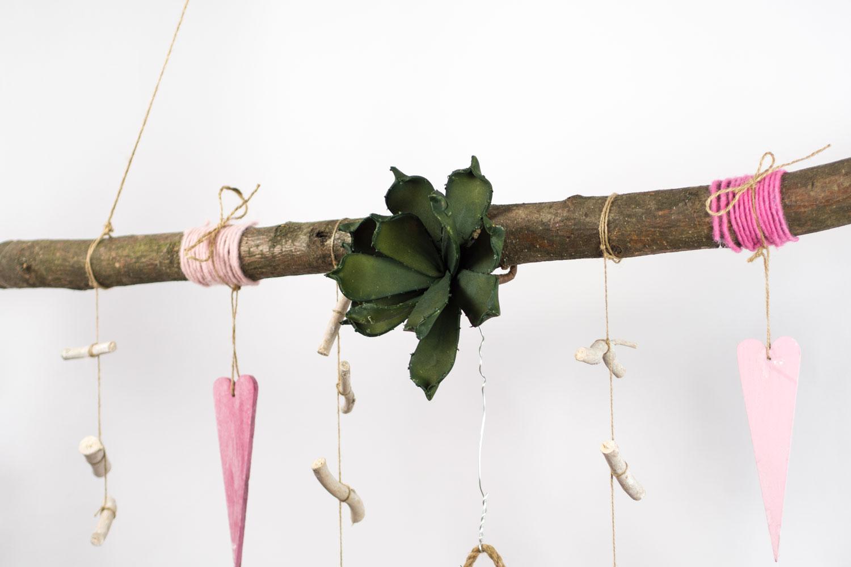 creatina ast aus buchenholz zum aufh ngen in pink und rosa ca 118 cm lang. Black Bedroom Furniture Sets. Home Design Ideas