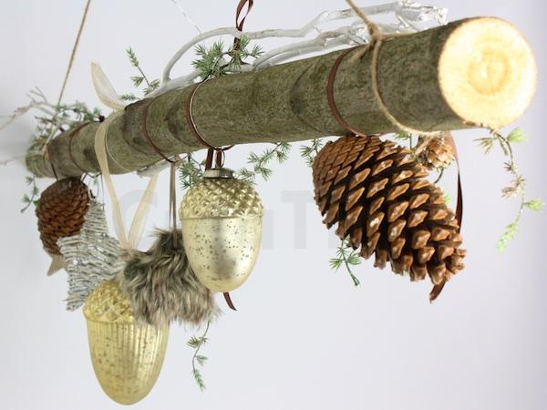 creatina ast aus buchenholz winterlich in gold dekoriert 118 cm lang. Black Bedroom Furniture Sets. Home Design Ideas