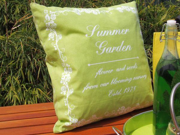 creatina kissen mit f llung in gr n mit summer garden. Black Bedroom Furniture Sets. Home Design Ideas